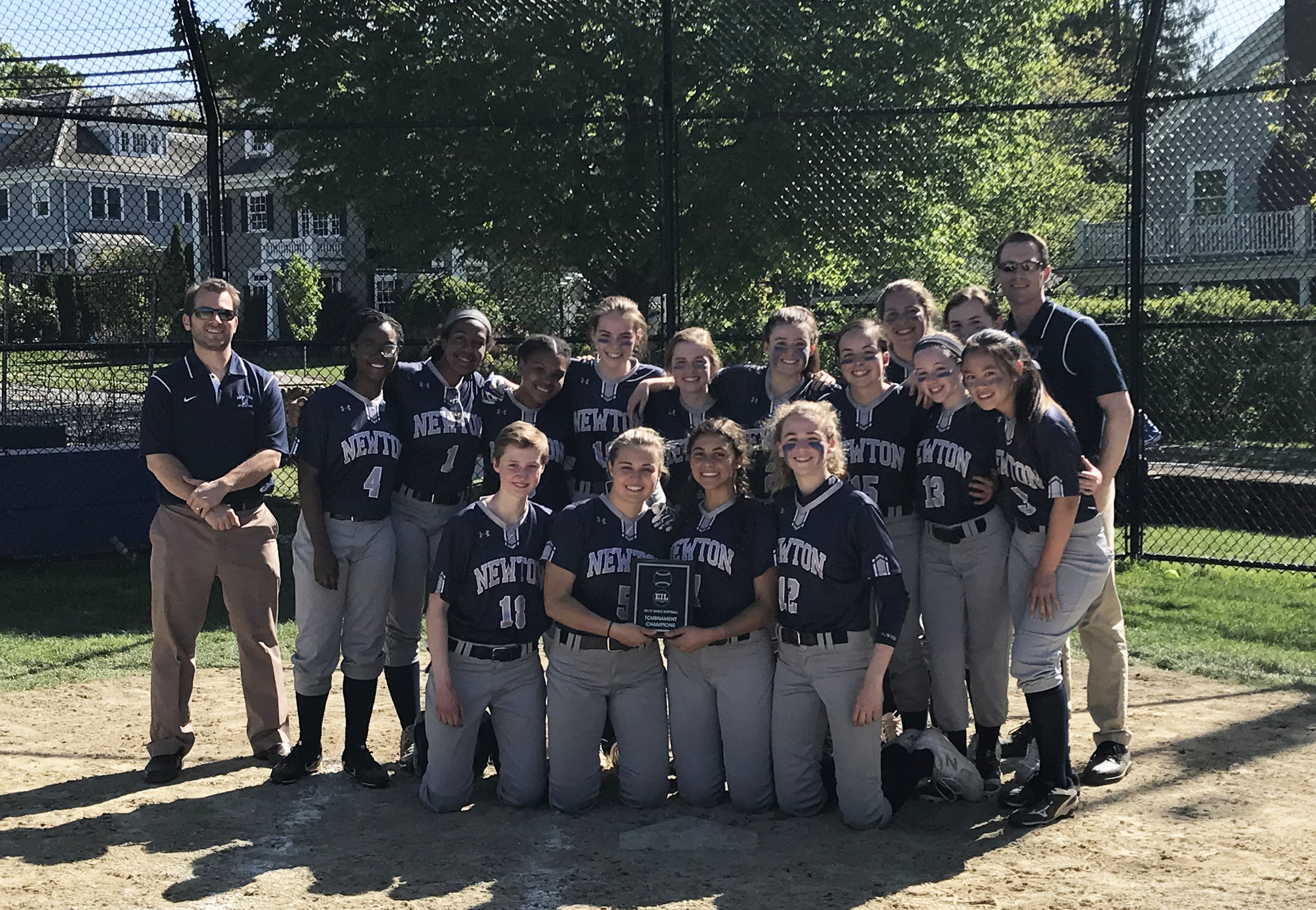 Varsity Softball Wins EIL Tournament